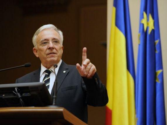 Isarescu: Numirea noului Guvern accentueaza incertitudinile, mai ales ca bugetul pe 2016 e neconfigurat. Ce spune guvernatorul despre posibilitatea ca viitorul premier sa provina de la BNR
