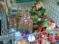 Supermarketurile, obligate sa doneze alimentele aflate aproape de data expirarii - Senat