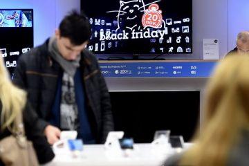 Black Friday 2018. Comercianții promit reduceri fără precedent. Cel mai căutat produs