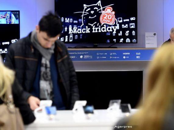 Romanii  vaneaza  televizoarele, electrocasnicele mici si frigiderele, de Black Friday. Aproape 60% vor sa cumpere ceva in Vinerea Neagra