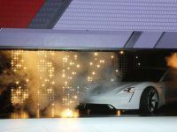 """Angajatii Porsche de la Zuffenhausen renunta la cresterile salariale, pentru a asigura productia vehicului electric """"Mission E"""""""