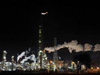 2015, anul cand pretul petrolului s-a prabusit la minimul ultimilor 11 ani: Petrom pierde 60% din profit; Rusia e lovita in inima; pretul gazelor scade si el. Ce ne asteapta pe viitor