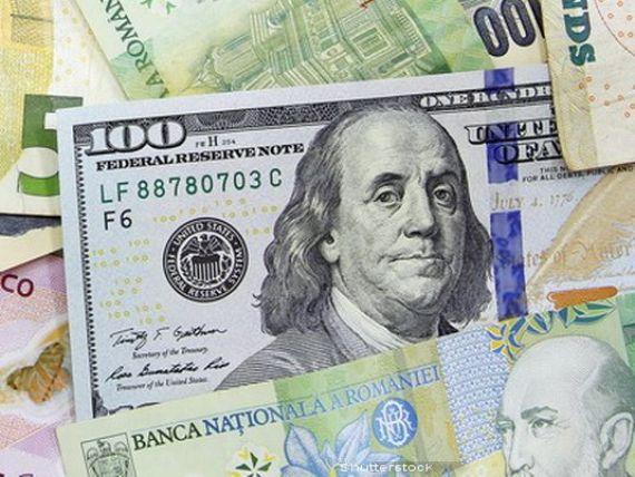 Un nou maxim istoric pentru dolarul american la BNR. Leul pierde si in fata monedei unice si a francului