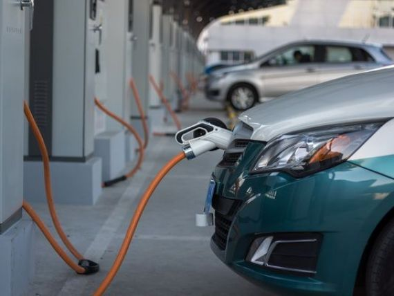 Romanii au inceput sa cumpere masini electrice: avans de 113%, in T1. Cea mai cautata marca