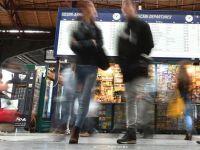 Gara de Nord se modernizeaza. Calatorii au la dispozitie spatii de depozitare a bagajelor, cu prize de incarcare a telefoanelor