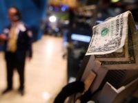 Cei mai bogati 400 oameni ai planetei au pierdut peste 305 miliarde dolari luna aceasta