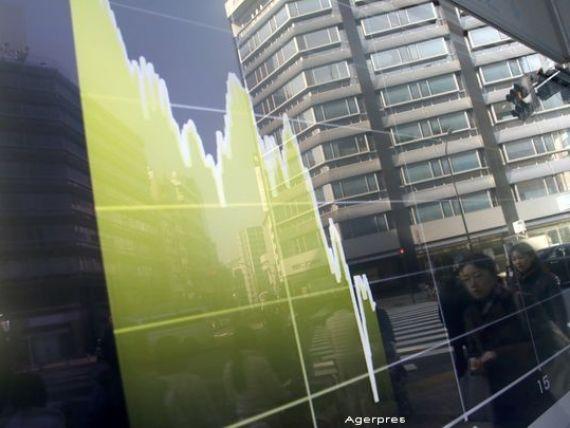 Japonia, afectata de turbulentele de pe pietele bursiere globale. Indicele principal Nikkei-225, cel mai redus nivel din iunie 2013