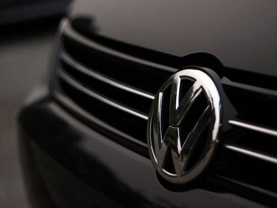 56.000 de automobile Volkswagen Golf, rechemate la service pentru un software update