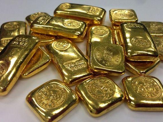 Euro scade aproape de 4,73 lei. Aurul rămâne la nivelul maxim al ultimilor 7 ani