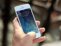 Noul iPhone, menit sa relanseze vanzarile in scadere ale gigantului, nu va fi un succes garantat