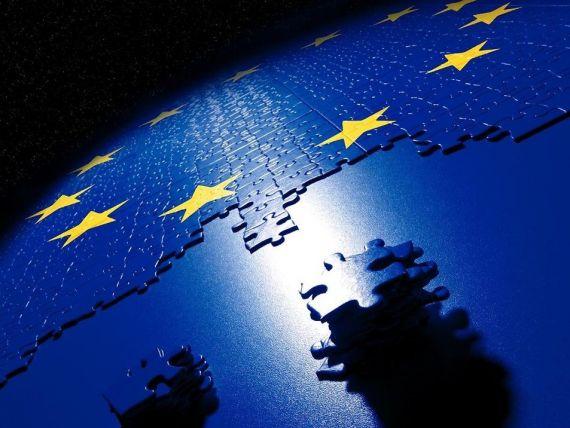 Reuters: CE analizeaza reintroducerea vizelor pentru americani si canadieni, in contextul negocierilor dure pe tema Tratatul de liber schimb UE-SUA