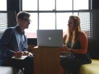 O treime dintre angajaţi pleacă voluntar înainte de a împlini un an în companie, cei mai mulți din Generația Z. Care sunt cei mai statornici angajați