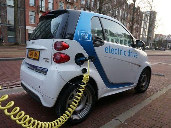 Primaria Capitalei vrea sa instaleze 30 de statii de alimentare a autovehiculelor electrice