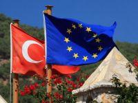 Juncker: Turcia se îndepărtează  cu paşi gigantici  de Uniunea Europeană