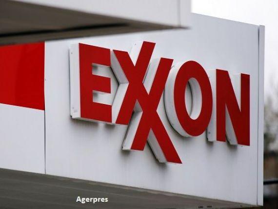 Exxon Mobil, cea mai mare companie petroliera din lume listata la bursa, retrogradata din cauza prabusirii pretului petrolului