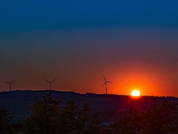 Germania produce atat de multa energie eoliana, incat preturile au devenit negative