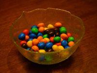 """Suedia interzice comercializarea bomboanelor """"m&m's"""""""