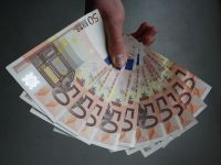 Romania trebuie sa ramburseze, in 2017, 1,3 mld. euro Uniunii Europene si Bancii Mondiale, din imprumutul contractat in timpul crizei din 2009
