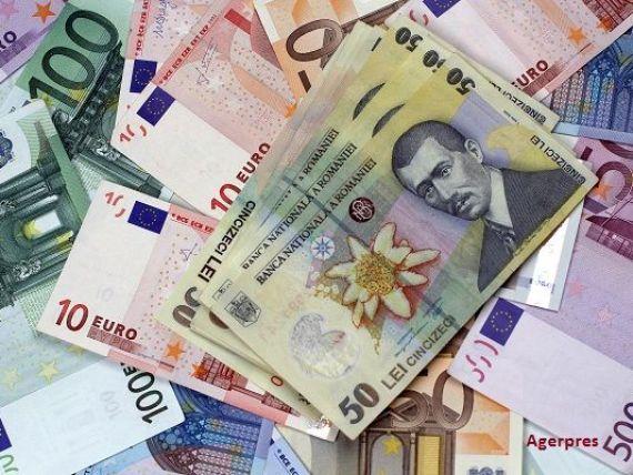 Leul isi continua deprecierea fata de euro si francul elvetian, pe fondul incertitudinilor generate de un eventual Brexit