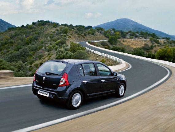 Lideri pe continent. Dacia creste cu 39%, cel mai mare avans al unui producator din Europa. Piata auto din Romania a inregistrat un salt de aproape 70%, cel mai mare dintr-o tara europeana