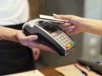 """Plata cu cardul, posibila in toate magazinele si institutiile publice, din 1 ianuarie. Cum va functiona sistemul """"cash back"""""""