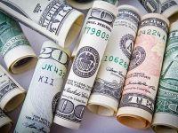 Leul s-a apreciat in fata euro, dar a pierdut semnificativ in raport cu dolarul american