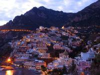 Italia, sufocata de turistii care fug de atacurile teroriste si instabilitatea din alte tari. Autoritati:  Relatia dintre vizitatori si localnici ar putea deveni conflictuala