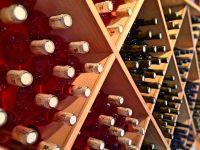 Fiscul, negustor de vinuri. Peste 24.000 de sticle confiscate, scoase la vanzare de ANAF, la preturi mai mici decat in magazine
