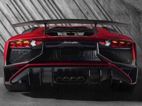 Lamborghini vrea sa-si dubleze productia pana in 2019, prin lansarea unui SUV de 200.000 de dolari