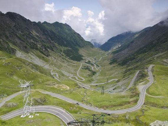 CNAIR: Circulaţia pe sectoarele de munte de pe Transfăgărăşan şi Transalpina se închide, din 20 octombrie