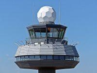 Romatsa angajeaza 200 de controlori de trafic aerian. Care este salariul unui incepator in una dintre cele mai grele meserii