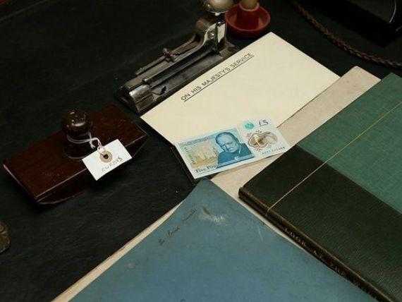 Marea Britanie a schimbat banii. Ce bancnote circula, incepand de marti, in Anglia si Tara Galilor