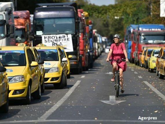 Transportatorii reiau protestele, din cauza pirateriei. 5.000 de autovehicule vor bloca, joi, Bucureștiul