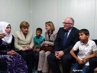 Dupa ce a deschis granitele Germaniei, Merkel cauta solutii pentru integrarea refugiatilor pe piata muncii. Companiile au angajat doar 100 de imigranti, dintr-un milion