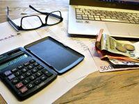 Finanțele modifică din nou Codurile Fiscale până la sfârșitul anului. Ce schimbări urmează pentru firme. Teodorovici: Este un demers ''corect şi logic''