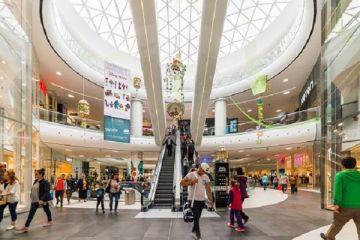 Analiză: Peste 9.000 de magazine din România au fost afectate de închiderea mall-urilor. Pierderi între 15 şi 20 de milioane de euro pentru dezvoltatori