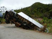 Asiguratorii cer o lege a sigurantei in trafic, pentru reducerea accidentelor generate de soferii profesionisti:  1 din 6 camioane produce un accident in fiecare an