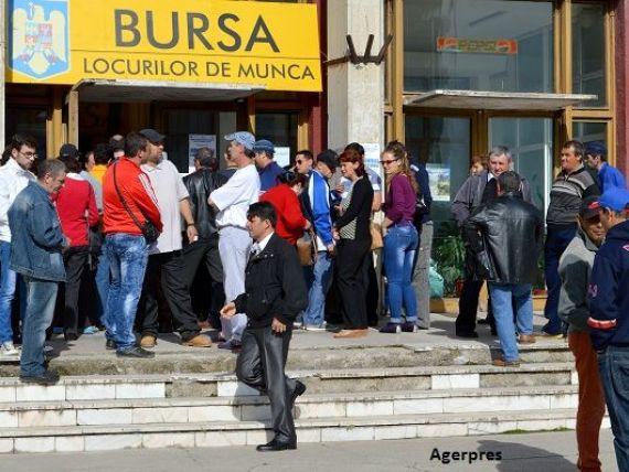 Peste 200.000 de români au rămas fără slujbe, de la instituirea stării de urgență. Angajatorii au suspendat mai mult de un milion de contracte de muncă