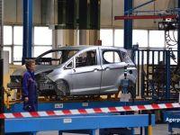 Angajații de la Ford Craiova își produc propriile viziere, pentru a se proteja de coronavirus. Compania a reluat lucrul, după o lună și jumătate