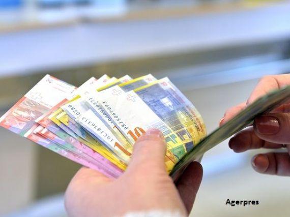 Una dintre cele mai bogate țări europene ridică restricțiile la muncă pentru români. Salariul mediu ajunge la 6.000 euro