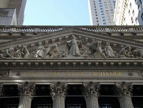 Bursele au explodat, dupa alegerea lui Trump. Indicele Dow Jones al bursei de pe Wall Street a atins valoarea istorica de 19.000 puncte