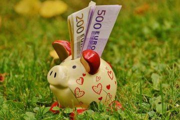 Ce ati face daca ati castiga 100.000 de euro?  Raspunsurile romanilor la aceasta intrebare ii ingrijoreaza pe expertii financiari