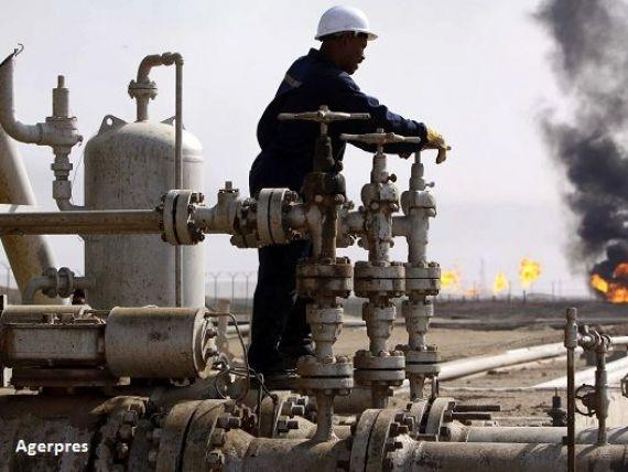 Pretul petrolului a incheiat 2016 pe crestere, dupa ce anul trecut s-a prabusit sub 28 de dolari. Acordul istoric dintre Rusia si tarile arabe