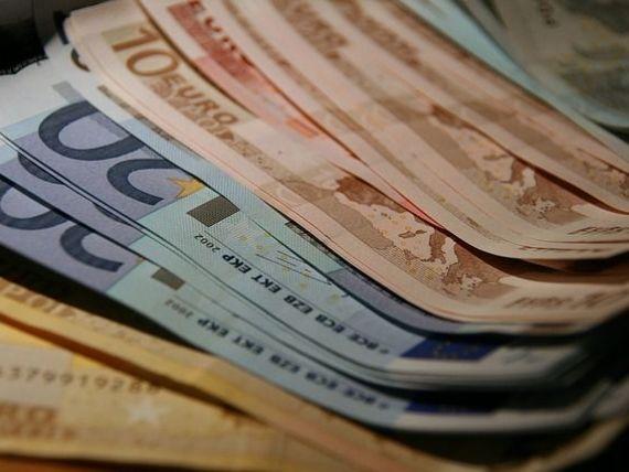 Salariul minim va fi stabilit de viitorul Guvern. Dacian Ciolos invita PSD sa mareasca minimul pe economie la bdquo;cifra pe care si-a asumat-o politic