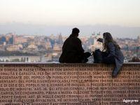De ce se teme Europa de rezultatul referendumului din Italia. O criza politica va slabi un sistem bancar deja fragil. BCE: Autoritatile ar putea fi nevoite sa salveze unele banci
