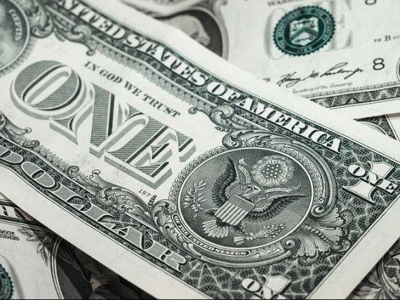 BNR: Deprecierea leului in raport cu dolarul va stimula exporturile, dar va duce si la presiuni inflationiste
