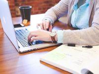 """Munca de acasă devine legală. Guvernul a aprobat un proiect de lege care reglementează """"tele-munca"""""""