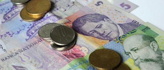 Românii muncesc pentru mâncare și facturi. O familie câștigă, în medie, sub 1.000 de euro pe lună, din care cheltuiește 85%