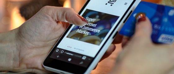 Recomandările băncilor, pe fondul răspândirii coronavirusului: folosirea aplicațiilor online şi de mobile banking, plați cu cardul  contactless  și cumpărături online