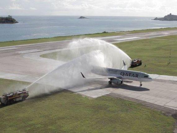 Cea mai lunga cursa aeriana directa a aterizat in Auckland, dupa 16 ore de la plecarea din Doha. A parcurs 14.535 km si a traversat zece fusuri orare. VIDEO